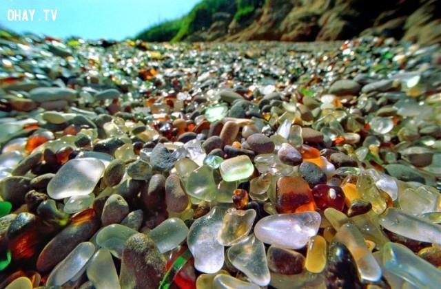 Sóng biển bào mòn những hòn sỏi trở nên tuyệt đẹp thế này!,ảnh không photoshop,ảnh kì lạ,khám phá