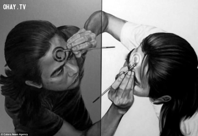 """8. """"Mirror image"""",Veri Apriyatno,ảo ảnh thị giác,chân dung tự họa"""