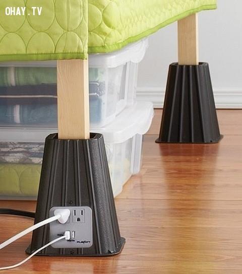 Ổ  cắm điện là đồ kê chân giường,vật phẩm