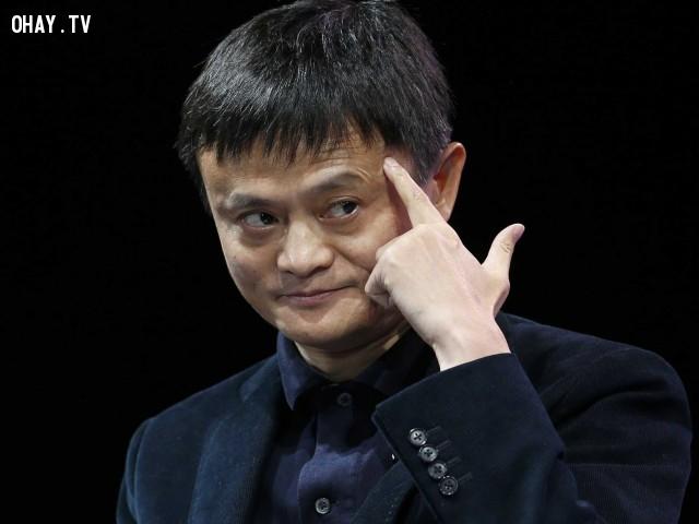 """2. """"Đám đông thông minh cần một gã khờ dẵn dắt, đơn giản đó là người sẽ nhìn ra được những khía cạnh cơ bản của vấn đề."""",Jack Ma,Câu nói hay,Triết lý kinh doanh"""