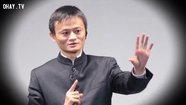 """7. """"Tôi chẳng biết gì về công nghệ, tôi nhìn sản phẩm của mình bằng con mắt bình dân học vụ."""",Jack Ma,Câu nói hay,Triết lý kinh doanh"""