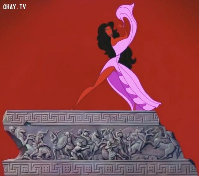 """5. Trong Hercules, khi các nàng thơ hát bài """"Zero to hero"""", một nàng thơ đã bước lên trước và bộ váy của cô ấy hoàn toàn bị hất tung lên.,đầu độc tâm hồn,ảnh hài,phim hoạt hình,chi tiết nhạy cảm"""