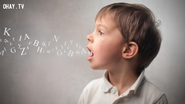 Giọng nói lạc đi, lên cao hoặc xuống thấp - bạn đang bị thu hút,tâm lý,biểu hiện cơ thể,đoán suy nghĩ