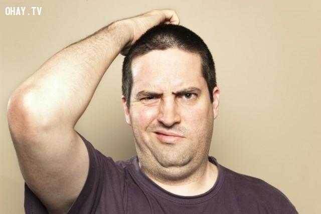 Gãi đầu hoặc gãi tai - bạn đang nhàm chán hoặc cố tình giấu giếm chuyện gì đó,tâm lý,biểu hiện cơ thể,đoán suy nghĩ