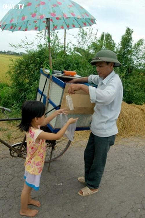 3. Giữa trưa thi nhau mang sắt vụn đi đổi kem mút,kỷ niệm tuổi thơ,ký ức,nông thôn