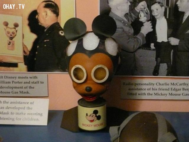Mặt nạ khí độc của trẻ em hình Mickey Mouse.,mặt nạ kỳ dị,khám phá,mặt nạ sắt