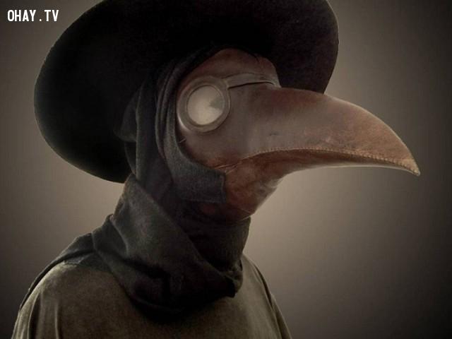 Mặt nạ Plague Doctor.,mặt nạ kỳ dị,khám phá,mặt nạ sắt