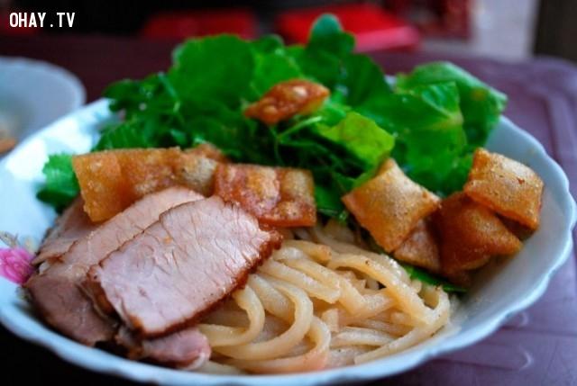 Cao lầu ,món ăn nổi tiếng,ẩm thực việt nam,du lịch việt nam