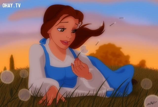 """Bạn nhớ váy của Belle rất đẹp, nhưng bạn có lẽ đã không nhận ra rằng nàng là người duy nhất trong vùng mặc đồ màu xanh trong bộ phim """"Người đẹp và quái vật"""", điều đó thể hiện rằng Belle là một người ngoại đạo.,sự thật thú vị,những nàng công chúa Disney"""