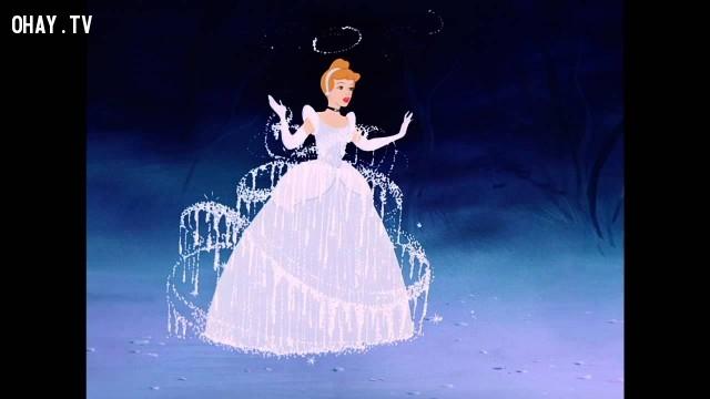 Khoảnh khắc kỳ diệu khi trang phục nàng hầu của cô bé Lọ Lem biến thành một bộ váy dạ hội lộng lẫy là cảnh phim hoạt hình mà Walt Disney thích nhất.,sự thật thú vị,những nàng công chúa Disney