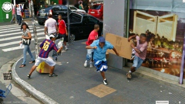 Đâu đó là một cuộc ẩu đả trên đường phố.,Google Street View,hình ảnh đẹp,ảnh kì lạ