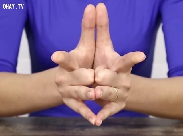 ,nhẫn cưới,ngón áp úp,ngón đeo nhẫn