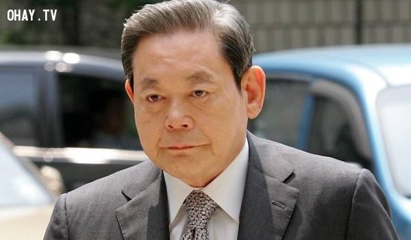 9. Giám đốc điều hành Samsung, ông Lee Kun Hee, là một trong những người giàu nhất thế giới với giá trị tài sản ước tính lên tới 12,6 tỉ đô và là một trong số 41 người quyền lực nhất thế giới.,tập đoàn Samsung,công ty Samsung,tầm cỡ của Samsung