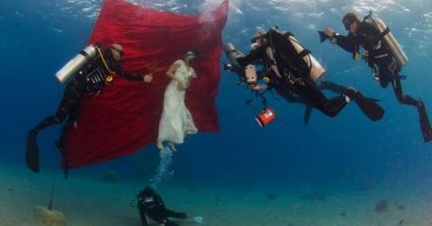 30 ảnh hậu trường chứng minh độ sáng tạo 'vô bờ bến' của nhiếp ảnh gia đám cưới