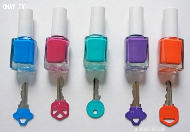 3. Sơn chìa khóa giúp bạn lựa chọn chìa đúng dễ dàng hơn.,mẹo hay bỏ túi,mẹo vặt,mẹo vặt cuộc sống