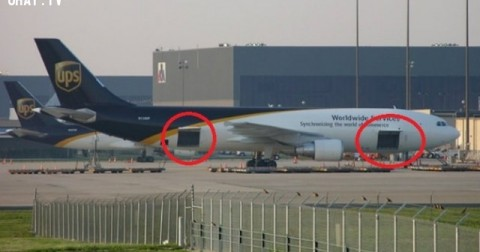 Đây là lí do mà cầu thang lên xuống máy bay được thiết kế ở bên trái!