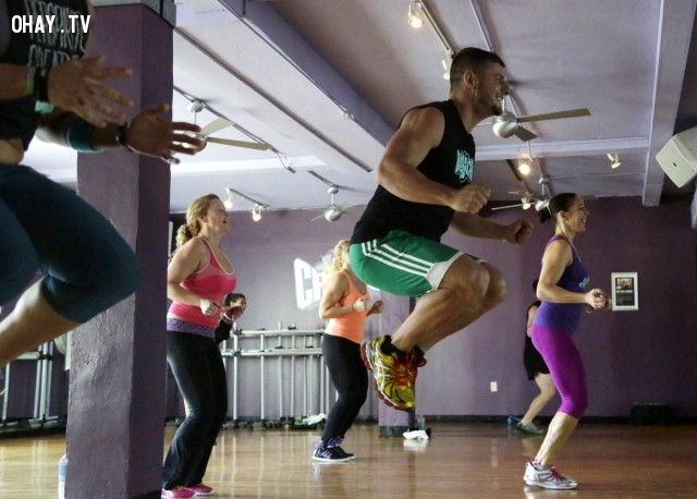 """Tập thể dục có thể đóng một vai trò trong việc tăng lượng cholesterol """"tốt"""" và giảm cholesterol """"xấu"""".,tập thể dục,những điều thú vị trong cuộc sống,khám phá"""