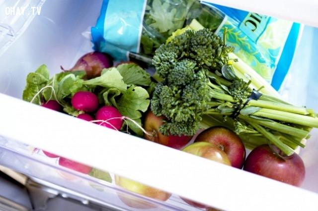 7. Rau củ quả nên được cất ở nơi có nhiệt độ cao nhất trong tủ lạnh,bảo quản thực phẩm,cách bảo quản rau quả,giữ rau quả tươi ngon,mẹo vặt hữu ích