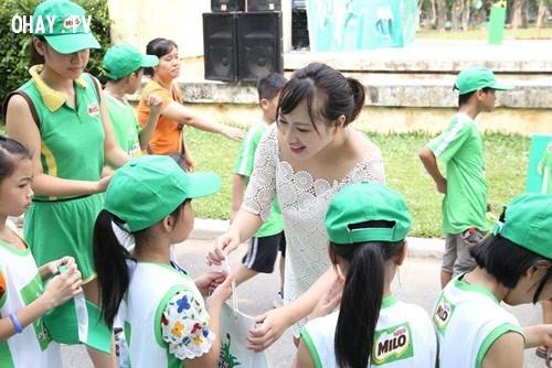 Biết chia sẻ và quan tâm đến mọi người,Cách thu hút người khác,thu hút sự chú ý,trở thành người lôi cuốn