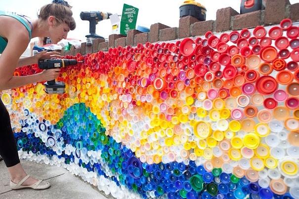 tận dụng nắp chai nhựa trang trí tường,tận dụng đồ cũ,tái chế chai nhựa