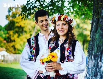 3. Romania,trang phục truyền thống