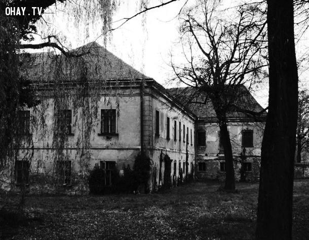 Drumbeg Manor.,nhà ma ám,hiện tượng ma ám,kinh dị