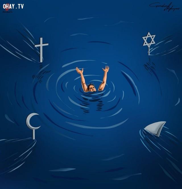 Các tôn giáo đều khuyên con người làm điều thiện nhưng vẫn có cuộc xung đột tôn giáo đẫm máu vẫn xảy ra. Họ như những con cá mập nguy hiểm ẩn dưới mặt nước khi lao tới xâu xé con người chỉ thấy vi cá thôi.,mảng tối cuộc sống hiện đại,biếm họa sốc,Gunduz Agayev