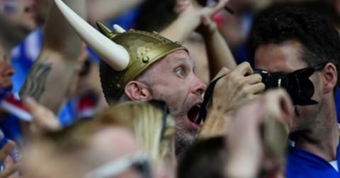 Viking chant là gì? Ý nghĩa đằng sau màn ăn mừng viking của tuyển iceland tại euro 2016?
