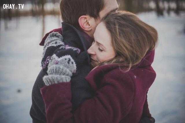 Trao cho ai đó một cái ôm thật chặt,khoảnh khắc quý giá của cuộc sống,suy ngẫm,hãy đặt điện thoại xuống,cảm nhận thế giới xung quanh,mặt trái của điện thoại