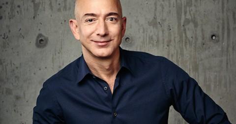 CEO Amazon Jeff Bezos vượt qua Warren Buffett trở thành người giàu thứ 3 thế giới