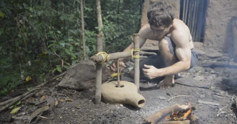 Kỹ năng sinh tồn: Cách làm quạt thổi lửa