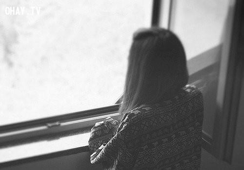 4. Bạn luôn chứng tỏ mình ổn, đang rất ổn,Khi ta cô đơn,cô đơn
