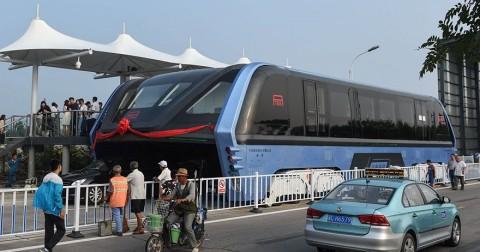 Bạn còn nhớ dự án xe buýt chống tắc đường ở Trung Quốc không? Họ đã làm rồi đấy