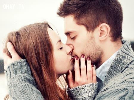 Tình yêu là linh hồn đọng lại của tất cả lửa trên đời.,William Shakespeare,câu nói bất hủ,châm ngôn sâu sắc,câu nói hay,bài học cuộc sống,suy ngẫm