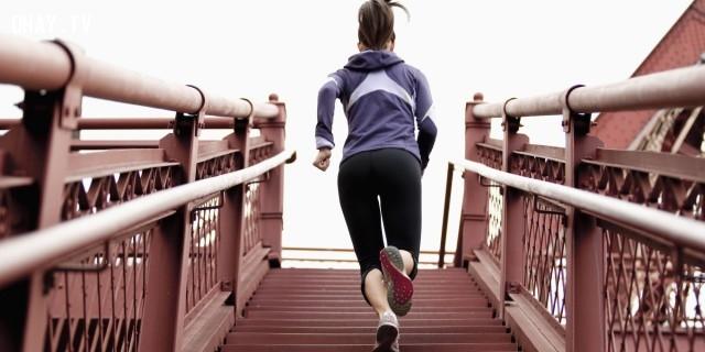 7. Đã chấp nhận làm thì đừng than vãn, hãy làm tốt điều mình đang có, còn nếu muốn than vãn thì bỏ đi, đừng làm nữa. ,câu nói hay,suy ngẫm,câu nói truyền cảm hứng