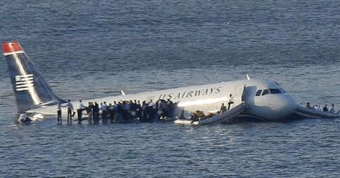Kỹ năng thoát hiểm khi máy bay gặp sự cố