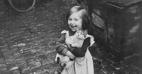 Nét quen thuộc từ hình ảnh những đứa trẻ trong lịch sử