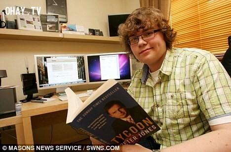 1. Christian Owens – Mac Bundle Box,triêu phú,làm giàu,tuổi teen,khởi nghiệp