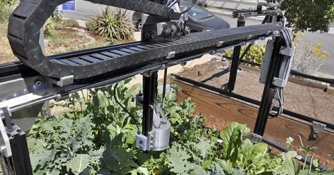 FarmBot - Robot trồng rau thông minh cho những người bận rộn