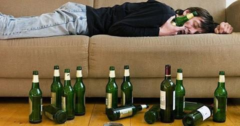 10 mẹo cực đơn giản giúp uống bia không say