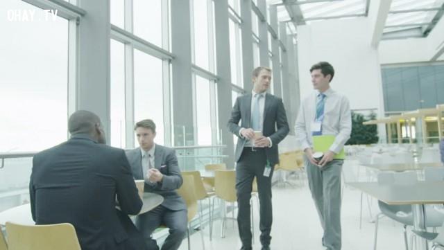 Các thành viên trong tập thể hay đi ăn trưa chung, hay chỉ ăn tại bàn làm việc của họ? (Hoặc công ty có các hoạt động thường niên cho nhân viên?),tuyển dụng,phỏng vấn xin việc,kỹ năng xin việc,cách đặt câu hỏi