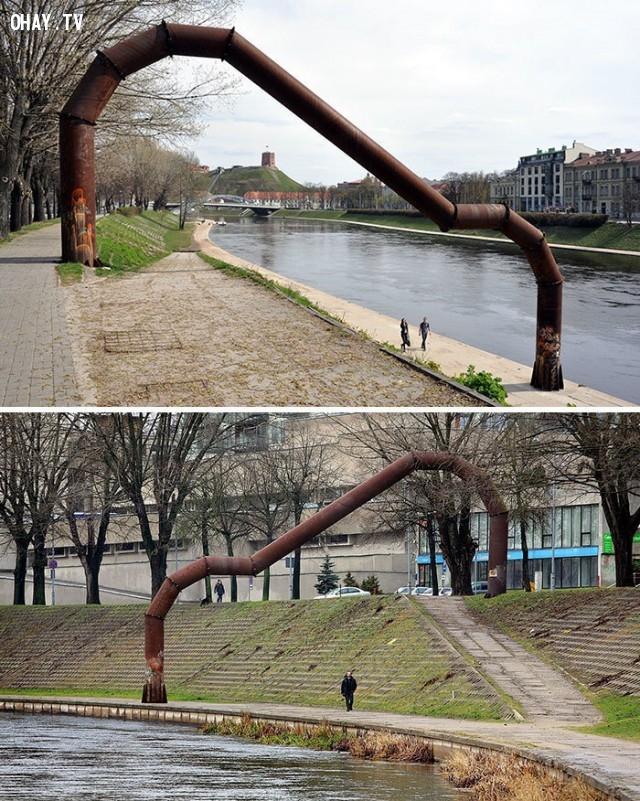 Cánh cổng của Embankment , ở Vilnius, Lithuania ,bức tượng,nghệ thuật điêu khắc,xấu xí
