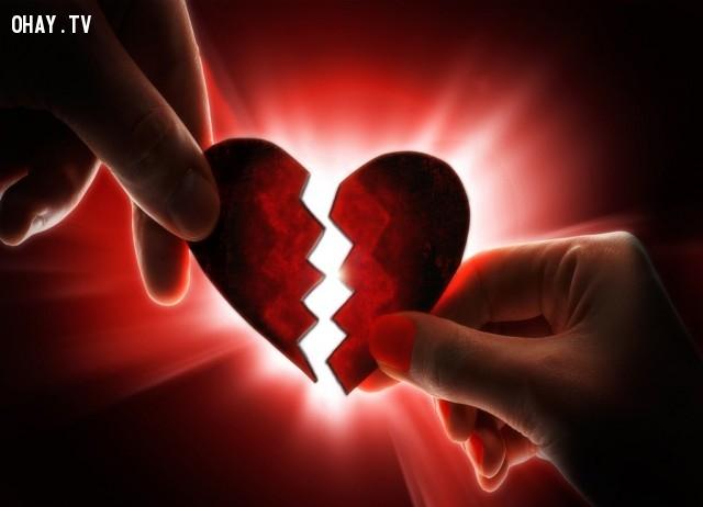 Nguyên nhân của nhiều cơn đau thể chất, bệnh tim mạch,tình yêu,ghen tuông