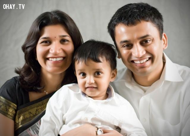 Một gia đình hạnh phúc của ấn độ,phụ nữ ấn độ,người da đen