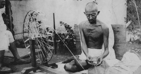 10 nguyên tắc của Mahatma Gandhi giúp bạn thay đổi thế giới
