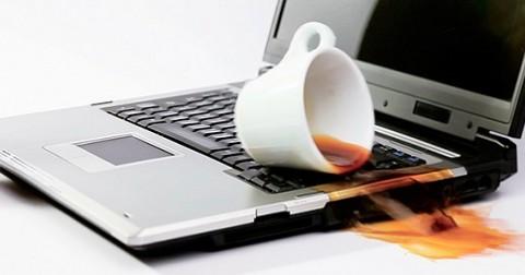 Cách xử lý khi laptop bị ướt
