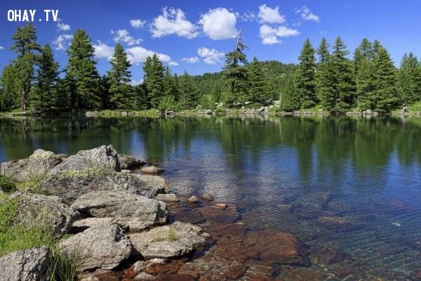 Hình 3: Mặt hồ phẳng lặng,trắc nghiệm vui,trắc nghiệm tính cách