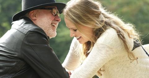 14 lí do tại sao con gái hay quấn quýt bên bố có xu hướng trở thành người vợ tuyệt vời