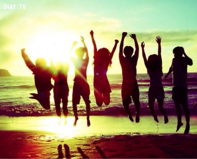 1. Bao quanh mình bằng những người hạnh phúc,người hạnh phúc,thói quen tốt