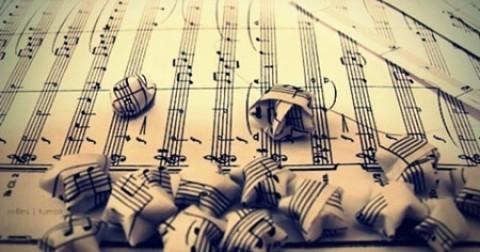 Tại sao chúng ta lại thích nghe những bản nhạc buồn?